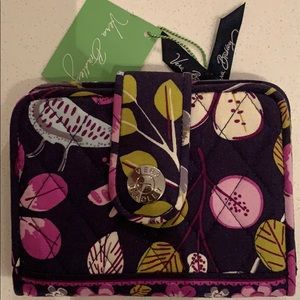 Vera Bradley Snappy Wallet in Floral Nightingale